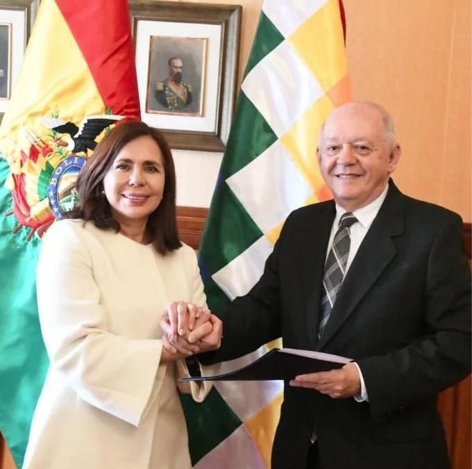 Longaric designa a Walter Serrate como embajador en EEUU y restablece relaciones
