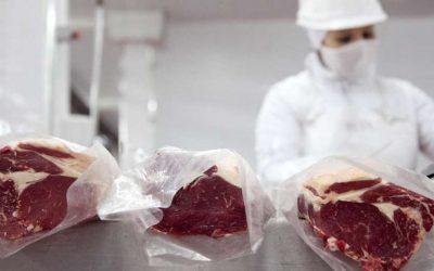 La demanda china por carne vacuna seguirá presionando los precios en los próximos años, señaló Rabobank