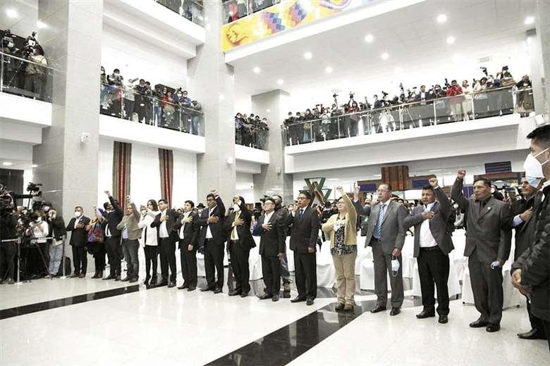 Empresarios aprueban el nuevo gabinete económico, pero piden acuerdo para encarar la crisis y lograr la reactivación